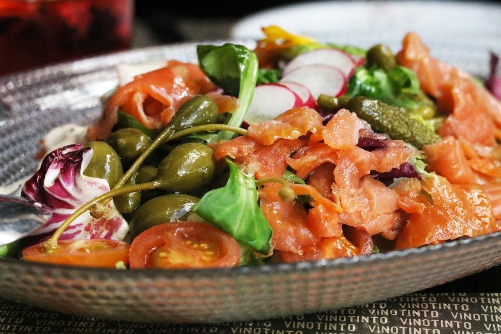 restaurante-vinotinto-ensalada-noruega.jpg