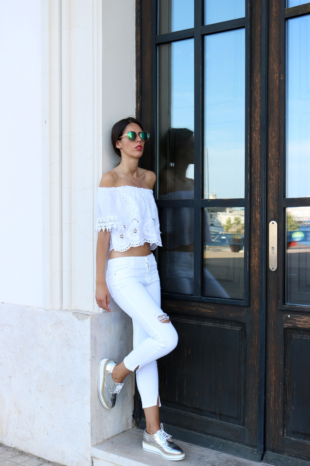 total-white-outfit-mybluesuitcase3.jpg