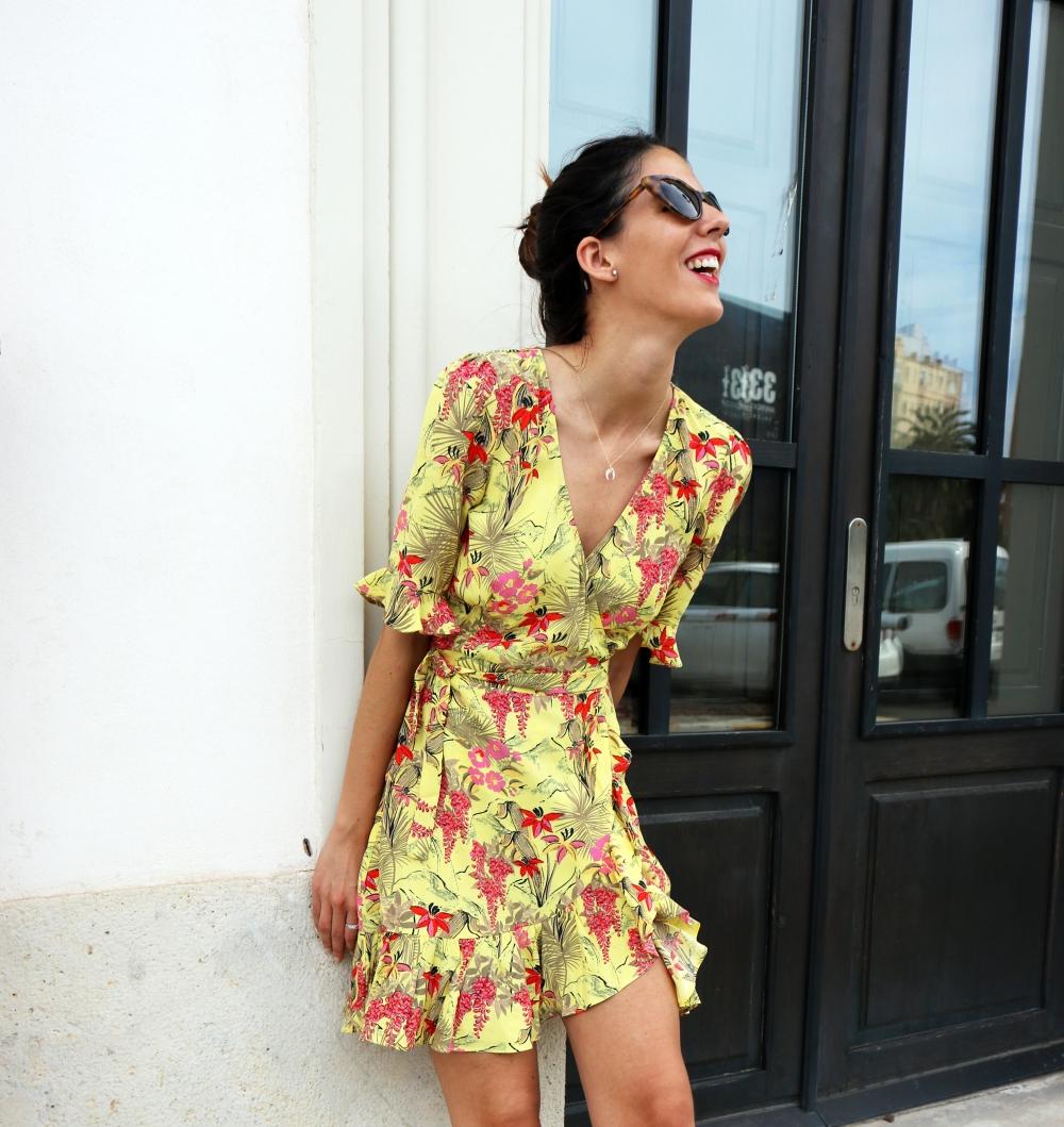 yellow_dress_outits_6.jpg