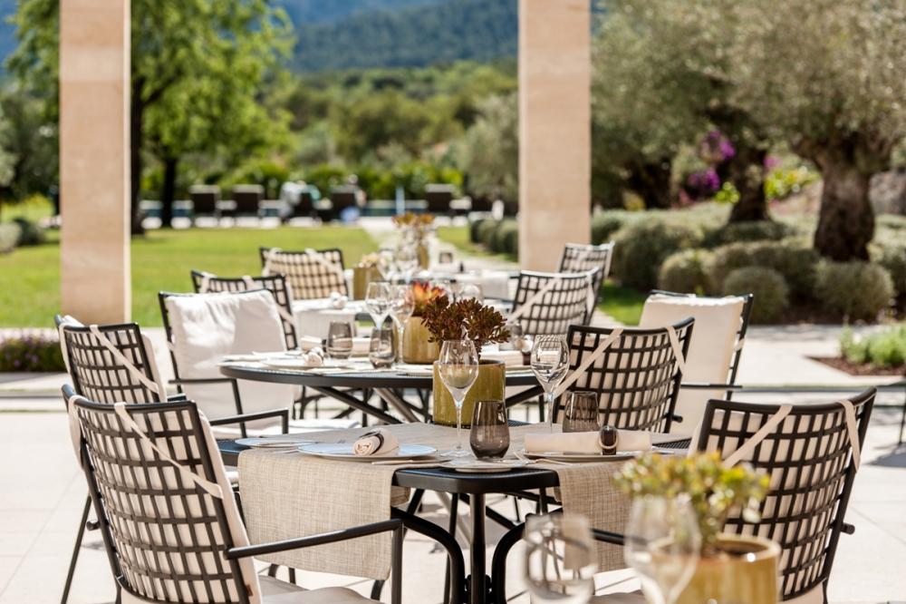 hotel-castell-son-claret-luxury-mallorca-garden-